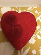 MEDIUM GODIVA CHOCOLATE VALENTINE BOX EMPTY