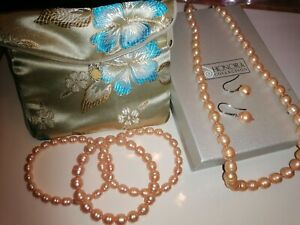 Honora cultured pearl and sterling silver gift set.