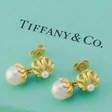 Tiffany & Co 18 Kt yellow gold pearl dangle earrings