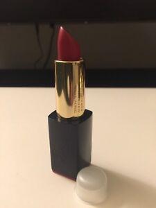 Estée Lauder Envy matte 220 unattainable Lipstick