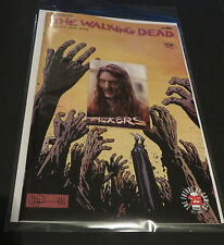 2017 THE WALKING DEAD #163 CONQUERED & FREE WALKERS  W4 TOPPS ZOMBIE INSERT CARD