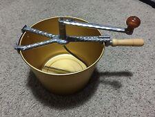 VINTAGE MIRRO BREAD PIZZA DOUGH HAND CRANK MIXER W/ ALUMINUM GOLD BOWL PAN