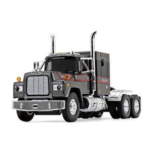 1:64 FIRST GEAR DCP *SILVER & BLACK* Mack R-Model Semi Truck w/Sleeper *NIB*