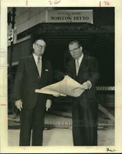 1955 Press Photo North Ditto officials at new location site in Houston