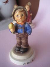 Goebel Hummel-Porzellan mit Jungen-aus