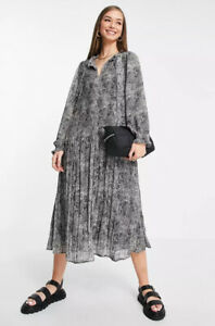 Mango Pleated Smock Dress Size S Black Grey Snake Print Crepe Lined Full Flowy