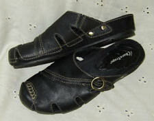 8.5 bare traps ~ black leather clog / slide ~brooke ~ 8.5 M