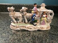 VINTAGE PICO PORCELAIN COLONIAL/ROYALTY HORSE DRAWN CARRIAGE GOLD TRIM JAPAN