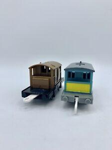 Thomas & Friends Trackmaster Brake Van E178569 Blue 2006 & Brown Van