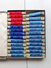 Fil à broder soie Pénélope mercerie ancienne 25 bobines bleues et rouges