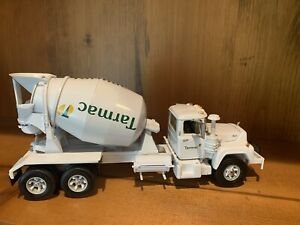 1997 First Gear Mack Cement Mixer Truck 1/34 White Diecast
