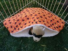 Ferret Luxury Sherpa Lined Corner Cubby - Halloween Black Cats