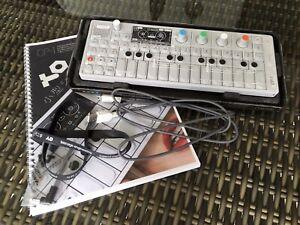 Teenage Engineering Op-1 | Synthesizer / Keyboard / Sampler / Controller