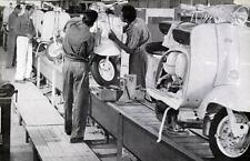 1964 1965 Lambretta Scooter Factory Scene Photo India ua865-Z9YO3S