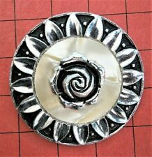 pearl Rose round Brooch Scarf clip G16*) Vintage Silver tone Lucite Mother of