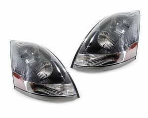 VOLVO VT 800 830 880 2007 2008 2009 PAIR SET HEADLIGHT HEAD LAMPS FRONT LIGHTS