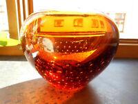 Glas Vase groß Kugelform bernsteinfarben H: 12,5 cm 1850 g mit Abriss