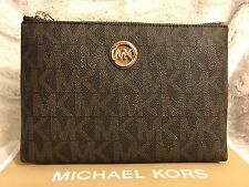 NWT MICHAEL MICHAEL KORS MK SIGNATURE PVC FULTON TRAVEL CASE IN BROWN