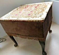Vintage Upholstered Foot Stool Storage Box Shabby Chic Upcycle 40x40x39cm 29T
