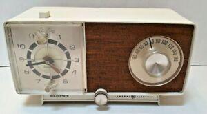 Vintage General Electric GE Model C1470-B, AM Alarm Clock Radio, Solid State