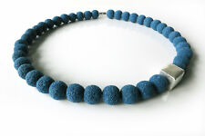 A Sign *Blue Moon N°2* Lava Halskette/Kette Würfel gebürstet Blau/Silber Magnet