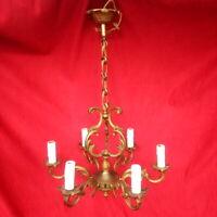 Lustre en bronze doré, 6 lumières.Electrifié, milieu XX siècle, hauteur 64 cm.