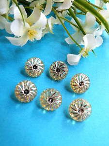 """482B/Lovely Buttons """" Star Wishing """" Yellow Star D'Silver 6 Buttons"""