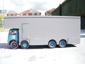 Code 3 model lorry body . Circus , funfair , showmans , fairground .