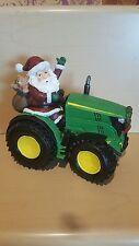 Santa sur John Deere type tracteur Noël Ornement