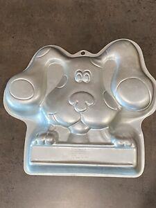 Wilton Blues Clues 2003 cake pan mold number 2105-3064 Aluminum Used