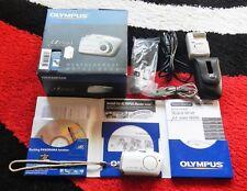 Olympus Mju Mini-Digitalkamera  (4 Megapixel) Schmuck-Weiß mit OVP