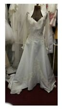 Sz 8 beautiful winter wedding dress sheer sleeve