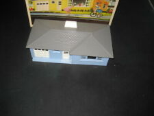 PLASTICVILLE RANCH HOUSE # 1852 LIGHT BLUE WITH GRAY ROOF-BOXED C-6