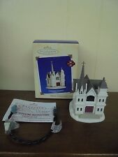 HALLMARK 2002 COUNTRY CHURCH CANDLELIGHT SERVICES 5TH IN SERIES LIGHTED ORNAMENT