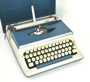 Vintage 1970s Litton Imperial 220n Portable Cased Typewriter