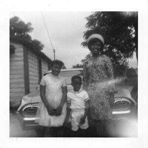 PRETTY WOMAN GIRL BOY DRESSED UP 60s CAR BLACK AFRICAN AMERICAN VTG PHOTO 541