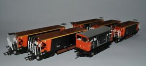 OO Hornby Seacow Ballast Brake and 5 Ballast Wagons