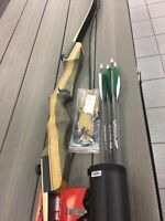 Samick Sage 60LB  R/H Deluxe Recurve Bow Package w/ quiver,arrows,stringer tool