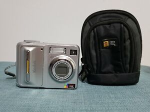 Kodak Easy Share C653 Digital Point And Shoot Camera 6.1 MP with Case Logic