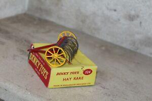 dinky toy  rateau a foin (Hay Rake) 324 (ENGLAND)
