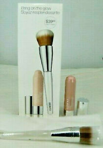 clinique bring on the glow chubby stick and foundation brush new in box