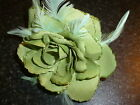Fleur Rose Fascinator à PLUMES élastique pour les cheveux & Broche/poignet