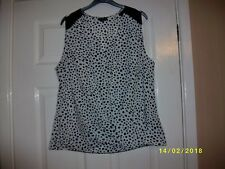 Ladies Black and White Top Size 12 from Papaya