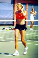 ANNA KOURNIKOVA - BOUNCING THE BALL WITH RACKET !!!!  LOOKING GREAT !!!!