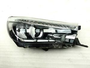 Right headlight for Toyota HiLux (2015+) 811400K732