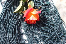 11/0 Czech Glass Seed Beads Terra Pearl Emerald on Jet