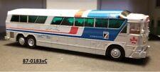 Iconic Replicas 1/87 87-0183xC MCI MC-7 Greyhound 'Canada' Bus  Code 3 CALGARY