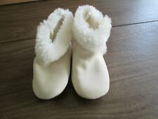 new  girls Gymboree boots Size 18-24 Months Off White with fur