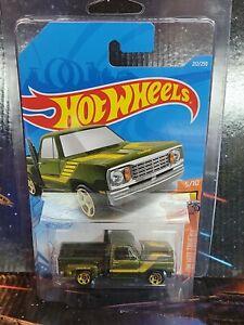 2021 Hot Wheels #212 Treasure Hunt 1978 Dodge Li'L Red Express Truck n Protector