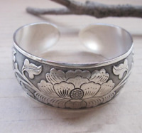 Tibetan Silver Plated Elephant Tibet Totem Bangle Jewelry Cuff Wide Bracelet 1Pc